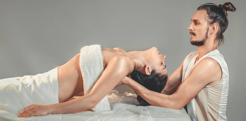 terapia prin masaj thailandez