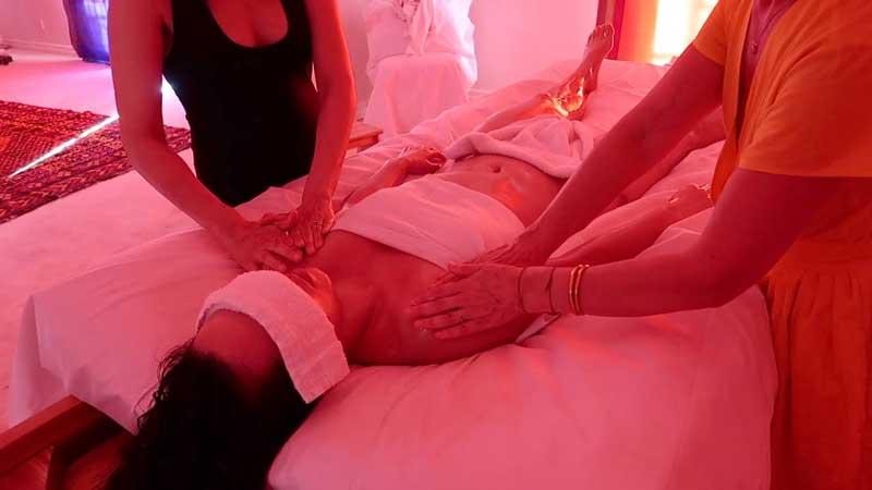 despre-masajul-la-4-maini